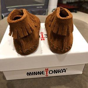Minnetonka Shoes - Minnetonka Moccasin baby shoes size 1 never worn